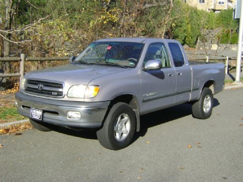 2000 toyota tundra sr5 for sale salem ma 8 cylinder gray. Black Bedroom Furniture Sets. Home Design Ideas